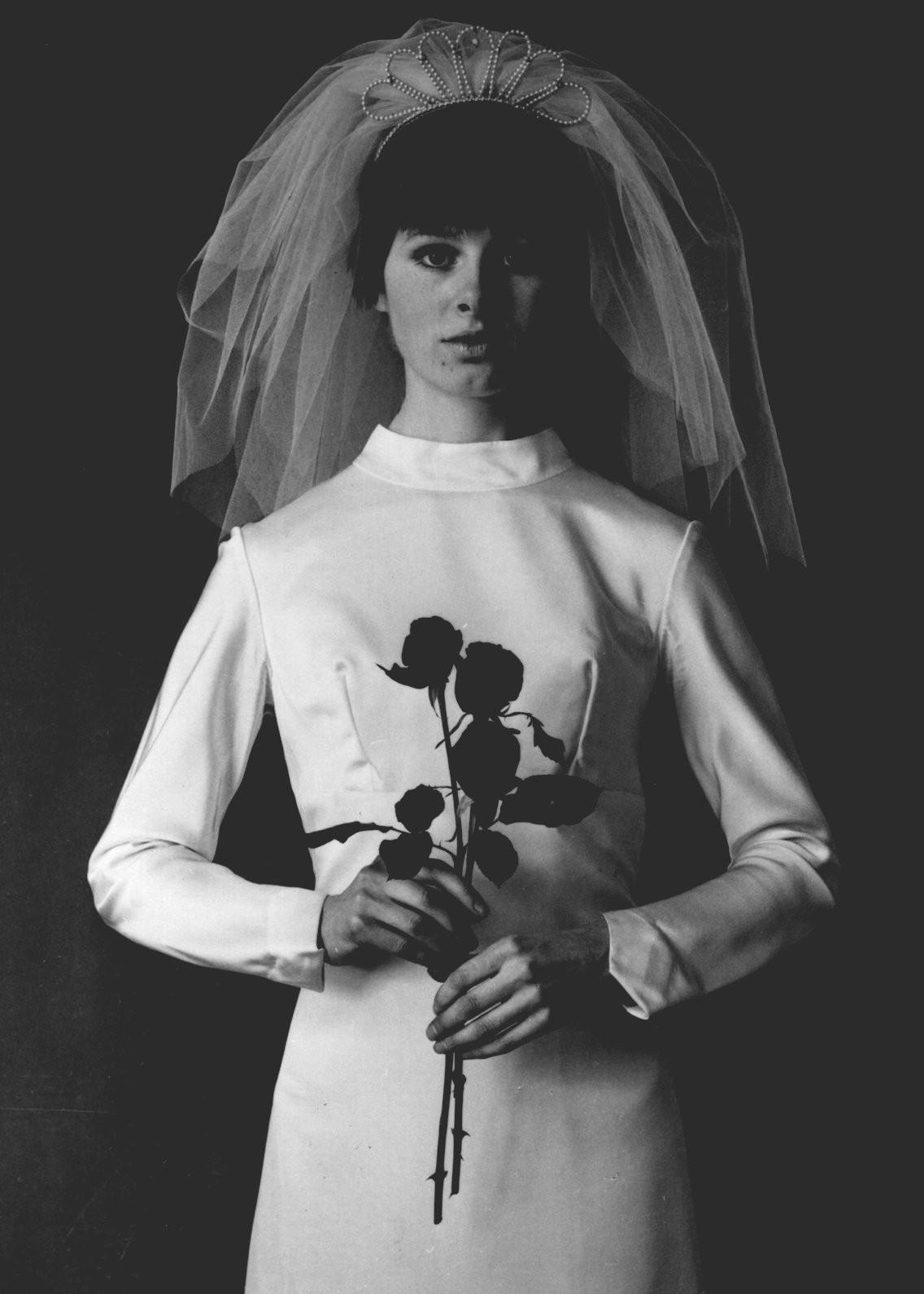 Xu hướng váy cưới và sự thay đổi của thời trang trong 100 năm qua - Ảnh 8.