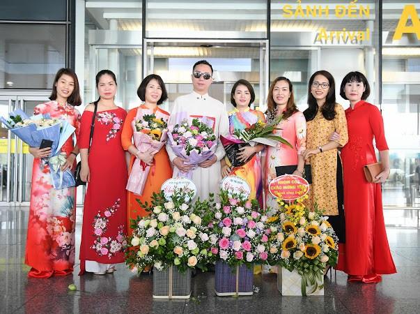 NTK S Vietnam được chào đón nồng nhiệt ngày trở về từ New York Couture Fashion Week - Ảnh 2.