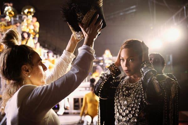 Emmy 2019: Được đề cử 6 hạng mục, Beyoncé vẫn trắng tay - ảnh 1