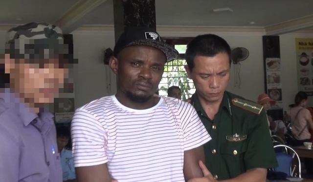 Quảng Trị:  Triệt phá tổ chức ma túy quốc tế, thu giữ gần 15kg ma túy đá - Ảnh 3.