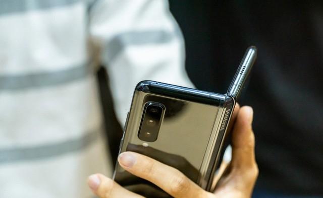 Galaxy Fold sẽ được bán ra tại Mỹ vào cuối tháng 9 - Ảnh 3.