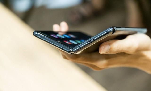 Galaxy Fold sẽ được bán ra tại Mỹ vào cuối tháng 9 - Ảnh 4.