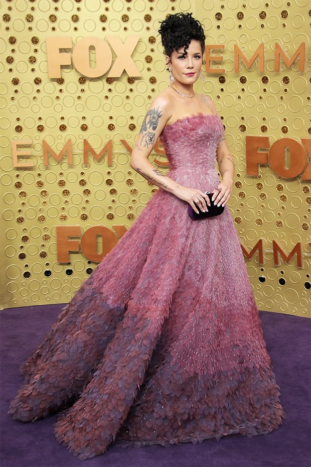 halsey-stuns-in-strapless-pink-dress-before-emmys-in-memoriam-performance-1569204653076942522769.jpg