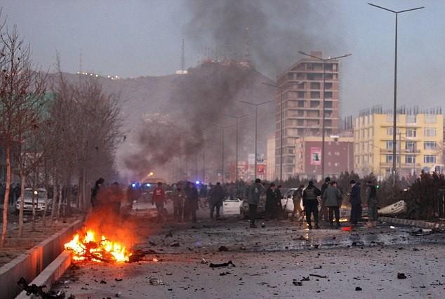 Nổ tại thủ đô Kabul Afghanistan, hàng chục người thương vong - Ảnh 1.