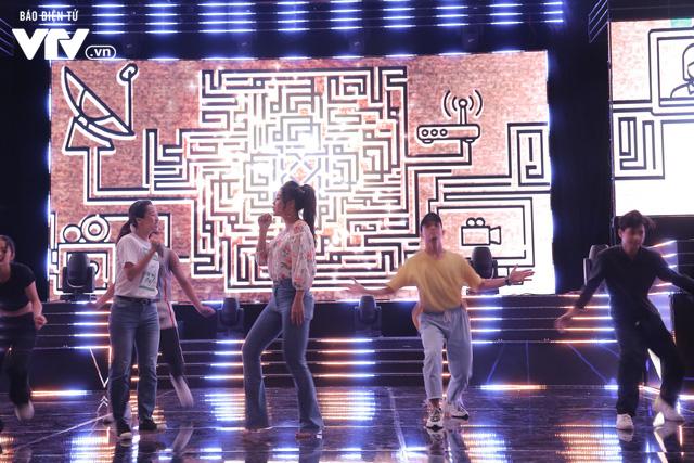 Thanh Hương song kiếm hợp bích với Đinh Hương trên sân khấu VTV Awards 2019 - Ảnh 3.