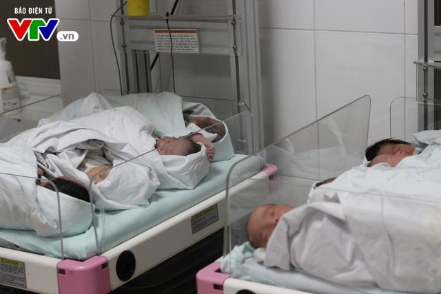 Trung thu sớm của các bé sơ sinh ở Bệnh viện Bưu điện - Ảnh 3.