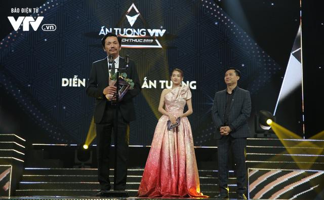 Không nằm ngoài dự đoán, Về nhà đi con ẵm 3 cúp VTV Awards 2019 - Ảnh 1.