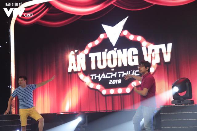 VTV Awards 2019: NSƯT Xuân Bắc và Giáo sư Cù Trọng Xoay tái xuất giang hồ - Ảnh 5.