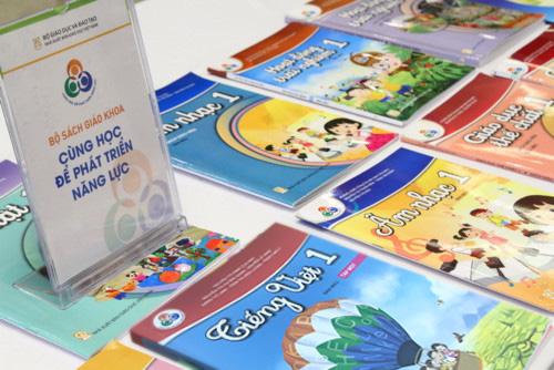 Giao lưu trực tuyến với nhóm tác giả bộ sách Cùng học để phát triển năng lực - Ảnh 1.