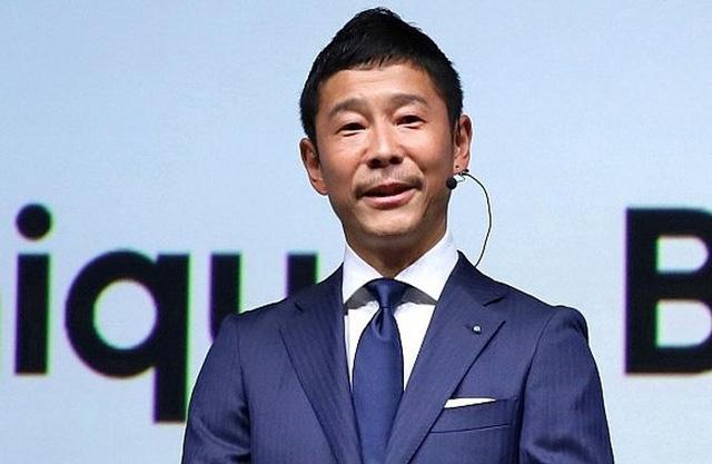 Tỷ phú công nghệ Nhật tặng 9 triệu USD cho những người theo dõi Twitter của mình - Ảnh 1.