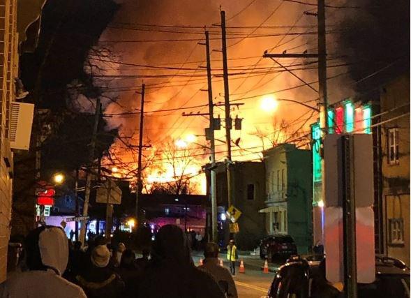 Mỹ: Hỏa hoạn lớn gây mất điện trên diện rộng ở bang New Jersey - Ảnh 1.