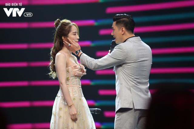 Gặp gỡ diễn viên truyền hình 2020: Việt Anh, Quỳnh Nga cực ngọt ngào khi hát hit của Trịnh Thăng Bình - Ảnh 1.