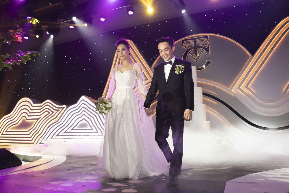 Những đám cưới lịch sử khuấy đảo showbiz Việt 2019 - Ảnh 6.