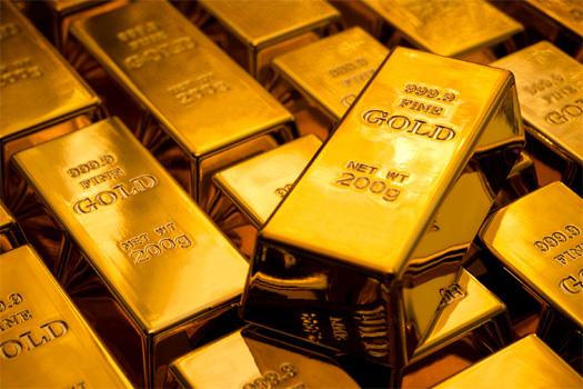 Giá vàng vượt mốc 56 triệu đồng/lượng, thị trường tấp nập kẻ bán người mua - Ảnh 2.