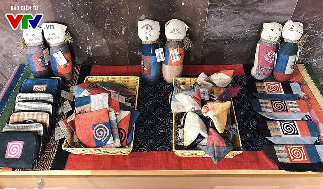 Cửa hàng lưu niệm Bảo tàng Hồ Chí Minh – Nơi hội tụ những món quà đặc sắc về Người - Ảnh 7.