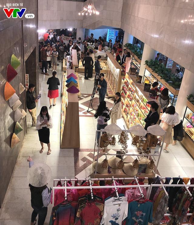 Cửa hàng lưu niệm Bảo tàng Hồ Chí Minh – Nơi hội tụ những món quà đặc sắc về Người - Ảnh 12.