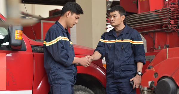 Dàn diễn viên Lửa ấm và những thách thức lớn khi nhập vai bác sĩ, lính cứu hỏa - Ảnh 1.