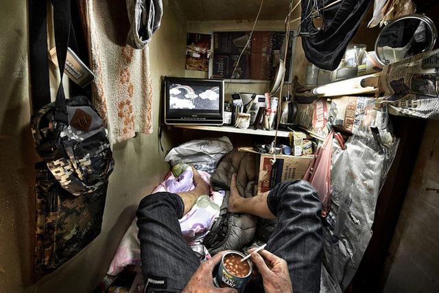 Hong Kong đối mặt với khủng hoảng nhà đất tồi tệ nhất trong lịch sử - Ảnh 1.