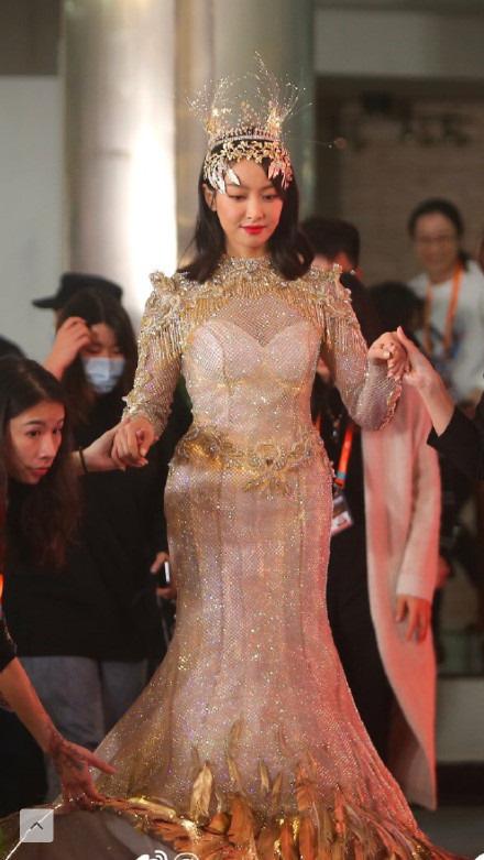 Sau nhiều ồn ào, nữ thần Kim ưng Tống Thiến xuất hiện nhạt nhòa - Ảnh 1.
