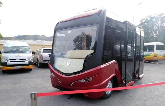 Bộ GTVT đồng thuận đề xuất khai thác xe bus điện tại Hà Nội và TP.HCM - Ảnh 1.
