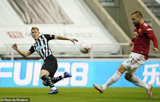 Newcastle 1-4 Man Utd: Bùng nổ cuối trận! - Ảnh 1.