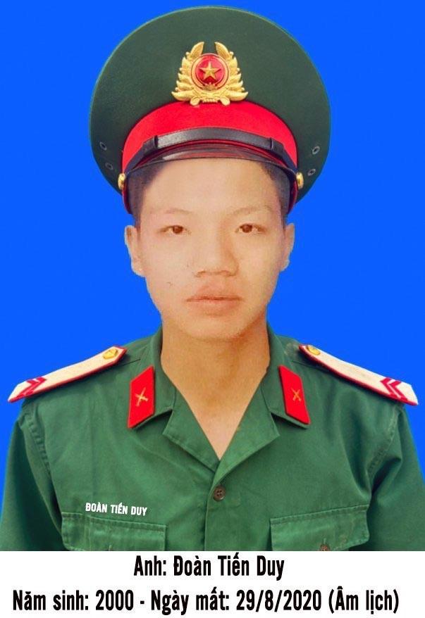 Truy thăng quân hàm cho chiến sĩ xả thân cứu đồng đội trong nước lũ - Ảnh 1.