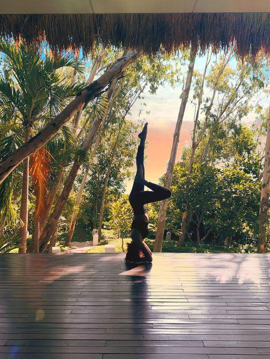 Tròn mắt trước loạt ảnh Yoga của Chi Pu, Thiều Bảo Trâm và các sao Việt - Ảnh 15.
