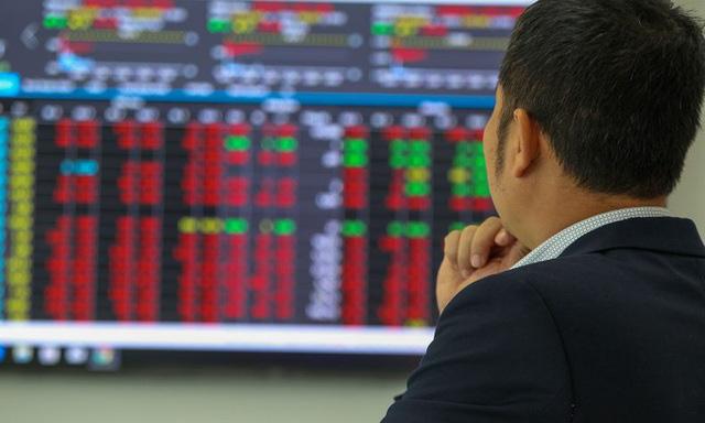 Sắc đỏ phủ bóng thị trường, VN-Index tiến sát về ngưỡng 940 điểm - Ảnh 1.