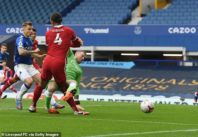 Vì Van Dijk, thủ môn Adrian không tiếc lời chỉ trích Jordan Pickford - Ảnh 1.
