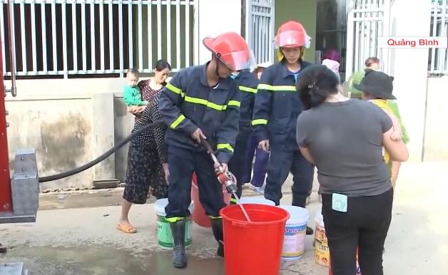 Quảng Trị huy động nguồn lực khẩn trương khắc phục hậu quả mưa lũ - Ảnh 1.