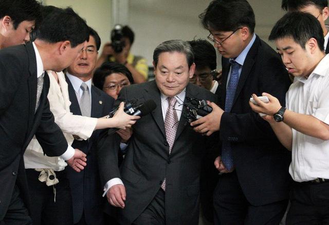 """Nhìn lại cuộc đời Lee Kun-hee, người đưa Samsung thành """"ông trùm công nghệ"""" - Ảnh 3."""