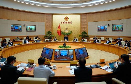 Thủ tướng Nguyễn Xuân Phúc: Hỗ trợ tiền cho người dân sửa nhà sập đổ, hư hỏng nặng - Ảnh 4.