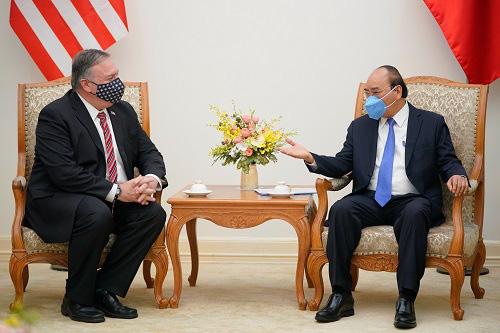 Thủ tướng Nguyễn Xuân Phúc và Ngoại trưởng Mike Pompeo nhất trí cần tuân thủ Công ước về Luật Biển - Ảnh 1.