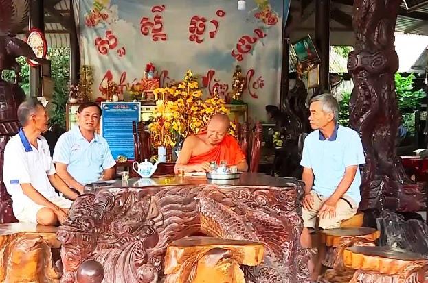 Trụ trì chùa Thnol Chum góp sức xây gần 100 cây cầu nông thôn - Ảnh 1.