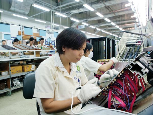 Hơn 50% người lao động lạc quan về triển vọng nền kinh tế Việt Nam - Ảnh 1.