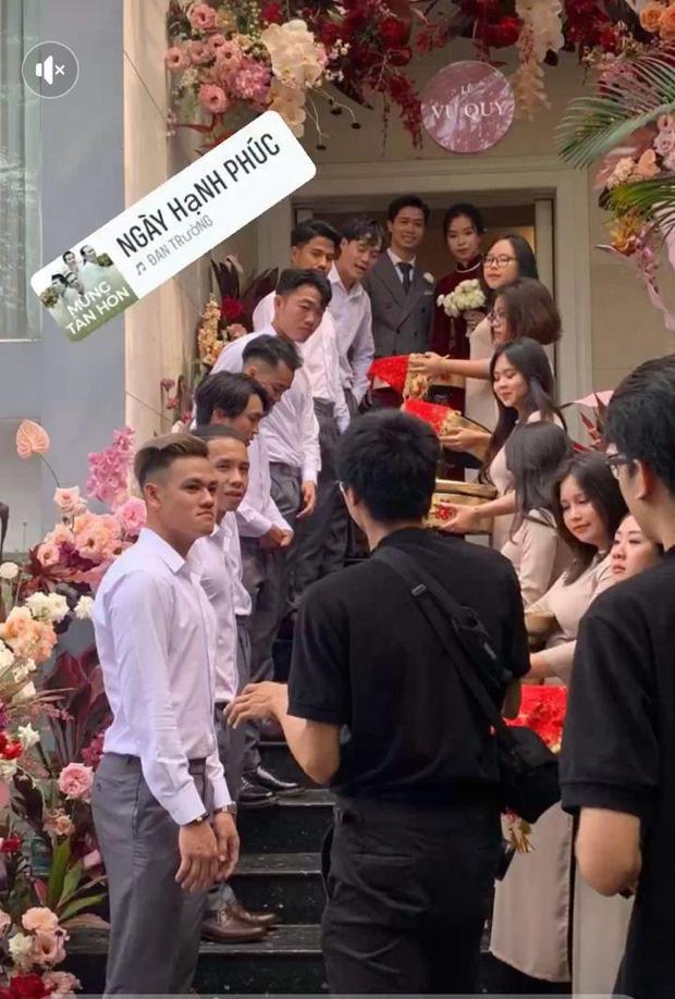 Công Phượng - Viên Minh chính thức lộ diện trong đám cưới - Ảnh 2.