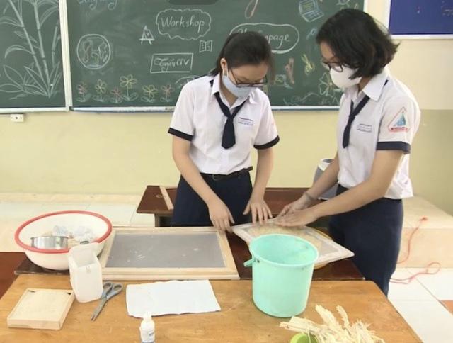 Cô giáo biến môn Hóa khô khan trở nên thú vị, cùng trò làm đồ handmade từ bã mía - Ảnh 2.