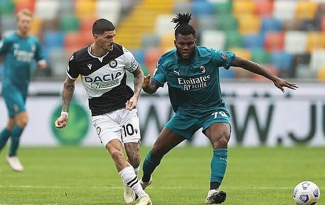 Udinese 1-2 AC Milan: Ibrahimovic lập siêu phẩm, Milan vững ngôi đầu - Ảnh 2.