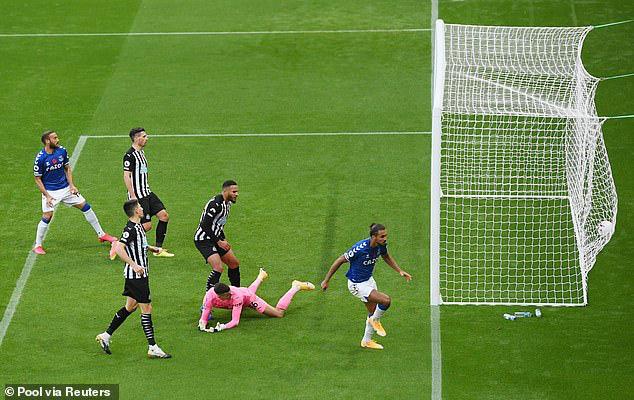Newcastle 2-1 Everton: Everton thua trận thứ 2 liên tiếp - Ảnh 4.