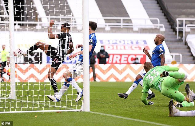 Newcastle 2-1 Everton: Everton thua trận thứ 2 liên tiếp - Ảnh 3.