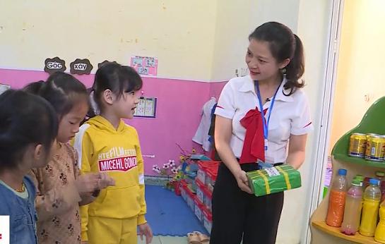 99% trẻ dân tộc thiểu số đến trường được tăng cường tiếng Việt - Ảnh 1.