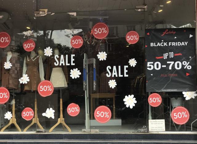 Lật tẩy chiêu thức bán đồ cũ, đẩy hàng tồn của dân buôn ngày Black Friday - Ảnh 1.