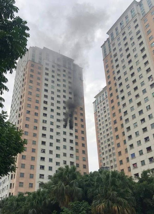 Hà Nội: Nhanh chóng dập tắt đám cháy tại Khu đô thị Xa La - Ảnh 1.
