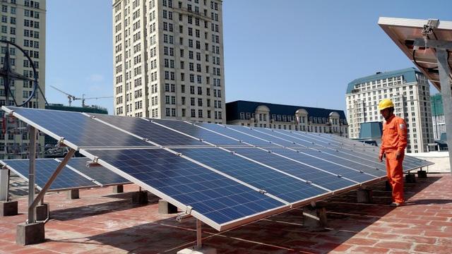 Phát triển điện mặt trời mái nhà - giải pháp ích nước lợi nhà - Ảnh 1.