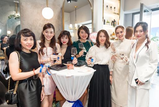 Shine Studio khai trương chi nhánh đầu tiên tại Sài Gòn - Ảnh 1.