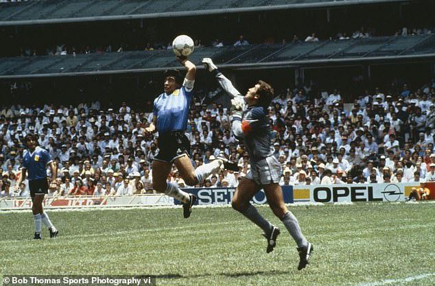 Cựu thủ môn Peter Shilton: Maradona vĩ đại nhưng không có tinh thần thể thao - Ảnh 1.