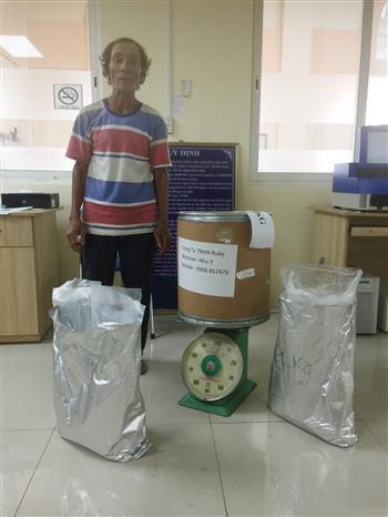 Bắt giữ đối tượng ôm thuê 10kg ma túy vào Việt Nam - Ảnh 1.