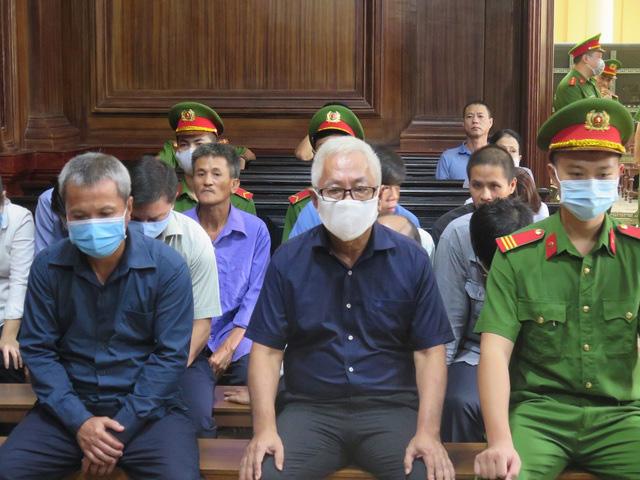 Đại án Ngân hàng Đông Á: Trần Phương Bình lần thứ 2 nhận án chung thân - Ảnh 1.