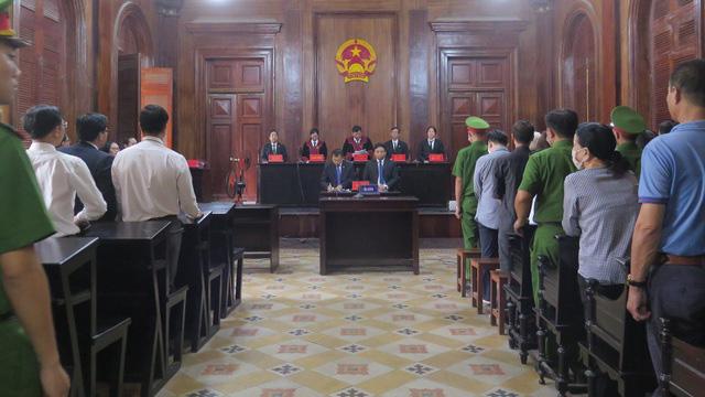 Đại án Ngân hàng Đông Á: Trần Phương Bình lần thứ 2 nhận án chung thân - Ảnh 2.