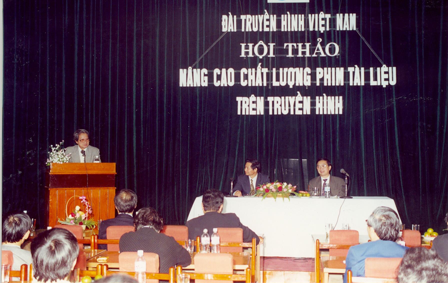 Hội thảo năm 2001